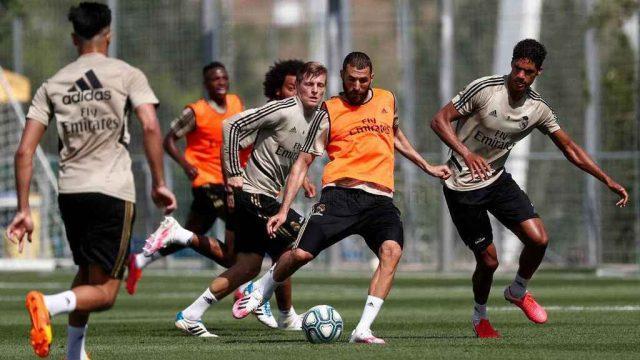 La_Liga-Real_Madrid-Zinedine_Zidane-Futbol_benzema-real-madrid-training