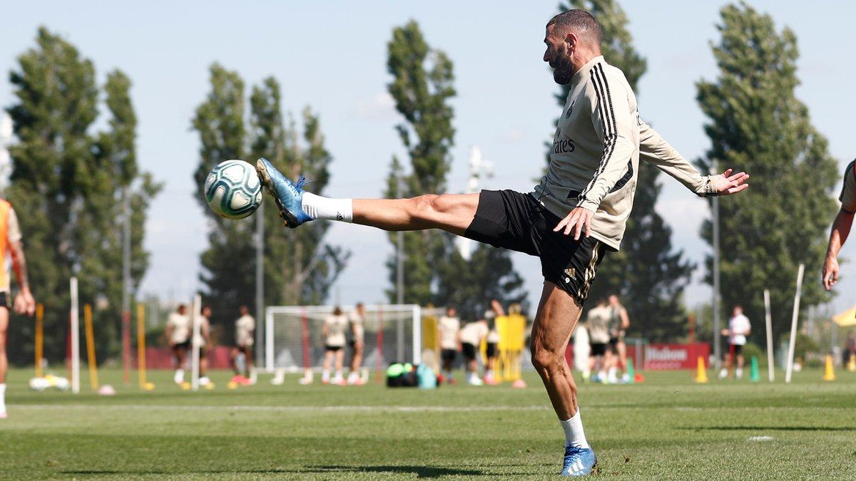 La_Liga-Real_Madrid-Zinedine_Zidane-Futbol_benzema-real-madrid-training
