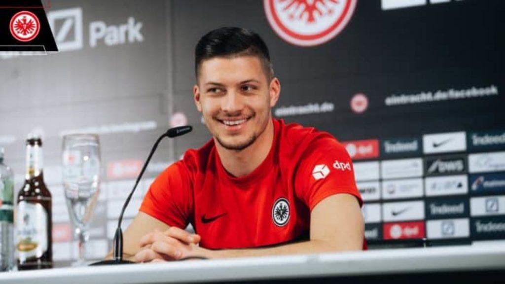 Luka-Jovic-unveiled-Eintracht-Frankfurt